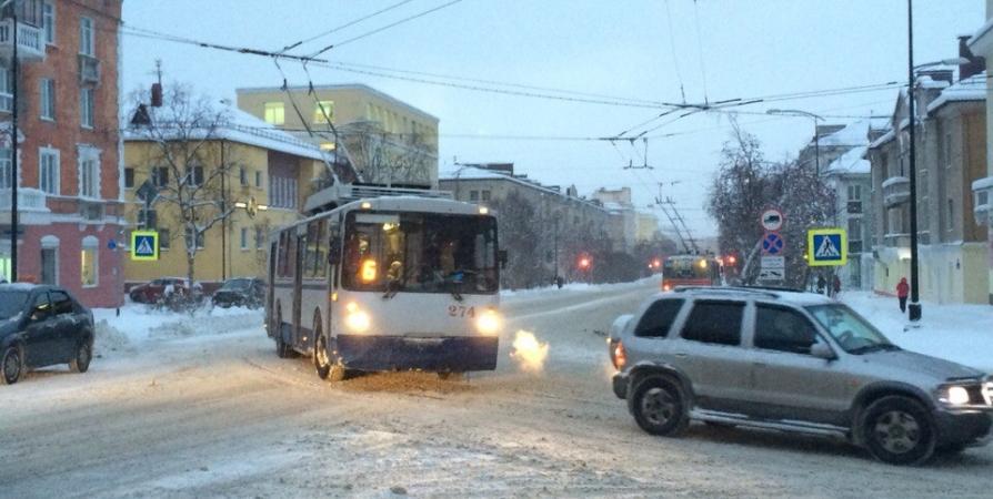 Проезд в автобусах и троллейбусах Мурманска подорожал до 34 рублей