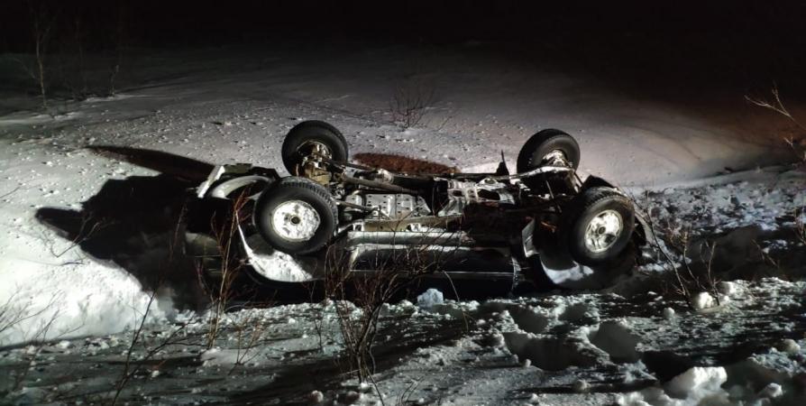 В результате ДТП два авто улетели в кювет под Териберкой