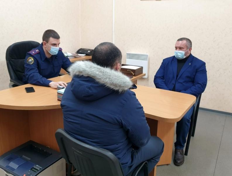 За взятку в 300 тысяч задержали главу администрации Зеленоборского