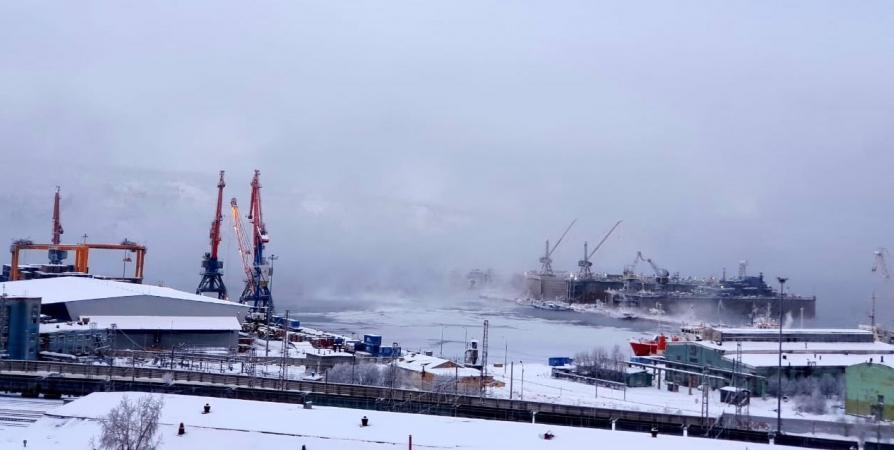 На незамерзающем Кольском заливе заметили лед