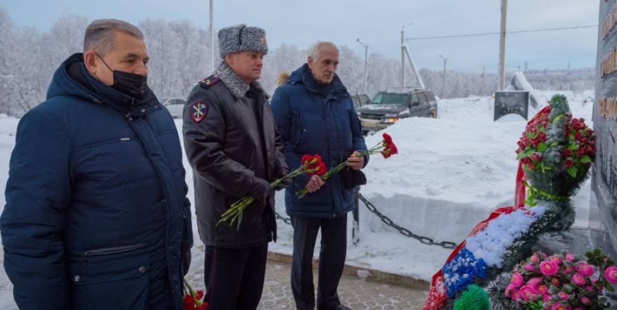 В Мурмашах почтили память погибших на Кавказе силовиков