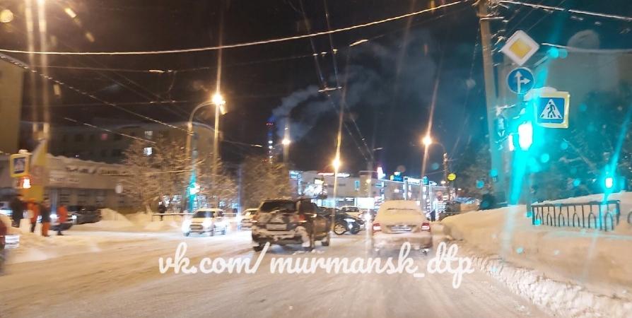 Виновника ДТП на перекрестке Журбы ищут в Мурманске