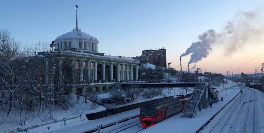 На выходных между Мурманском и Апатитами пустят дополнительные электрички