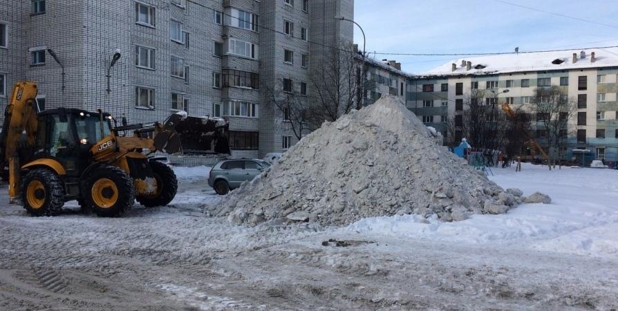 Сегодня в Мурманске «управляшки» расчистят 125 дворов