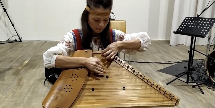 Юным северянам сыграют «Колобка» на карело-финской кантеле