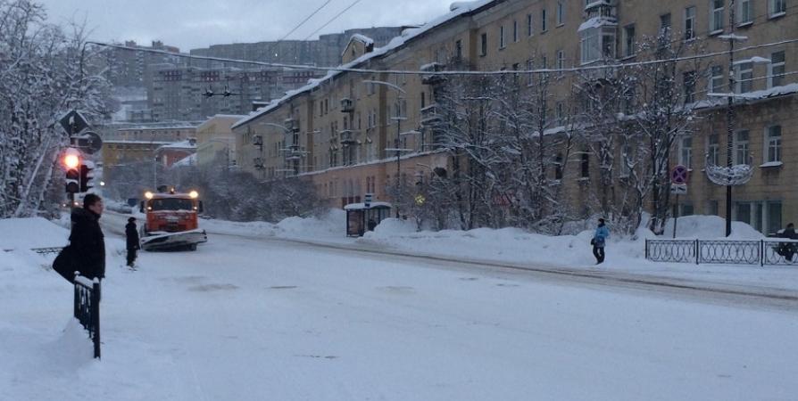 Более 13,5 тысячи кубометров снега вывезли с улиц Мурманска
