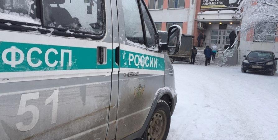Жительница Мончегорска погасила долг по кредиту после ареста гаража