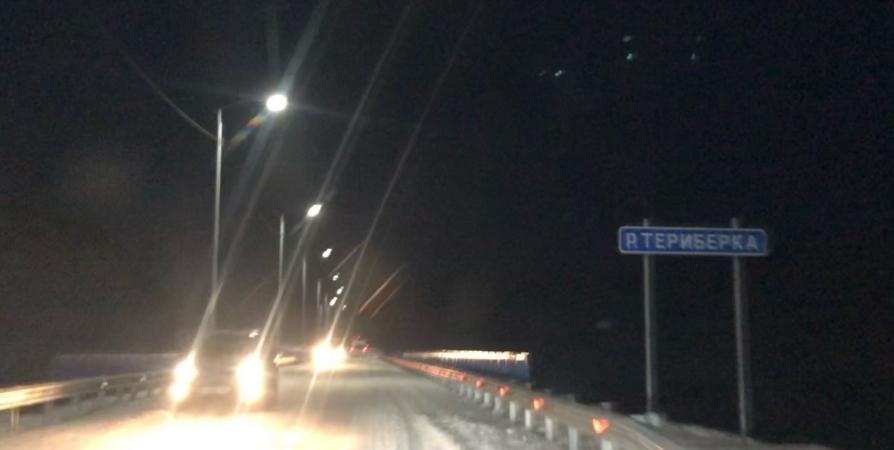 На ночь перекрывали дорогу на Териберку