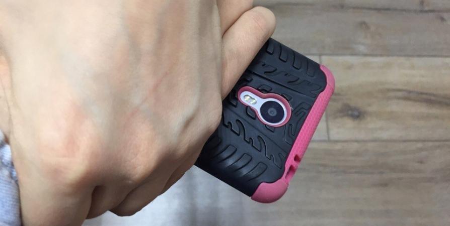 Юношу поймали на краже мобильного телефона в мурманском ТЦ