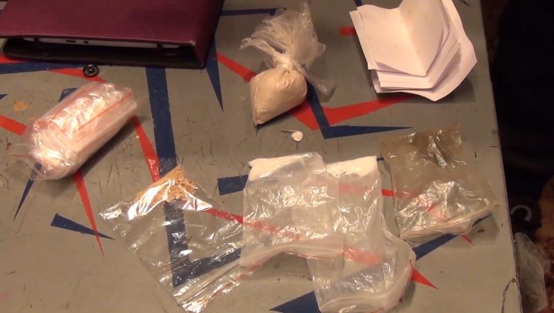 Четверых мурманчан осудят за торговлю наркотиками через интернет