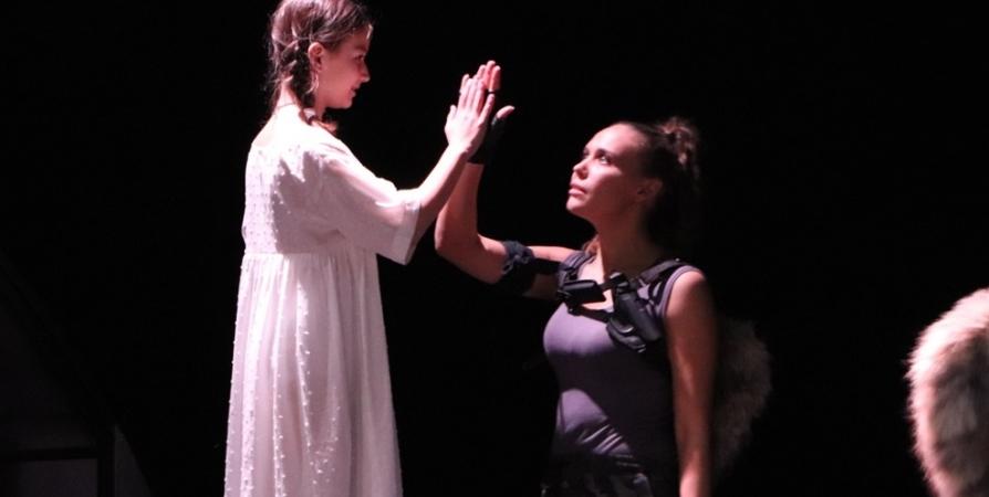 Мурманский драмтеатр приглашает на премьеру спектакля о трагедии Беслана