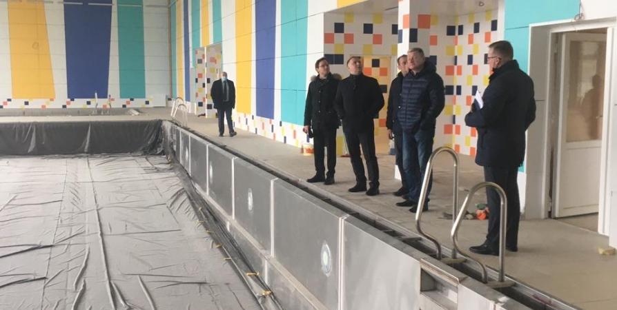 К отоплению подключили новый бассейн в Коле