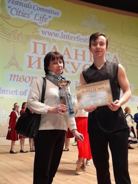 Виртуозное жонглирование мурманского артиста отметили на международном конкурсе