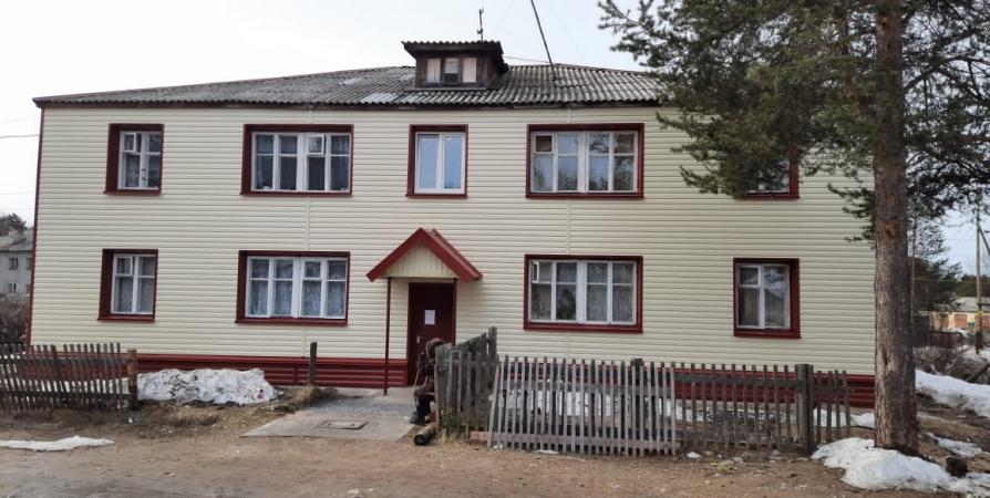В Зеленоборском завершили капремонт фасада еще по одному адресу