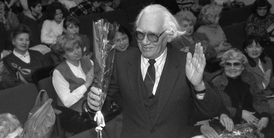 К 100-летию краеведа Ивана Ушакова в Мурманске открыта выставка книг