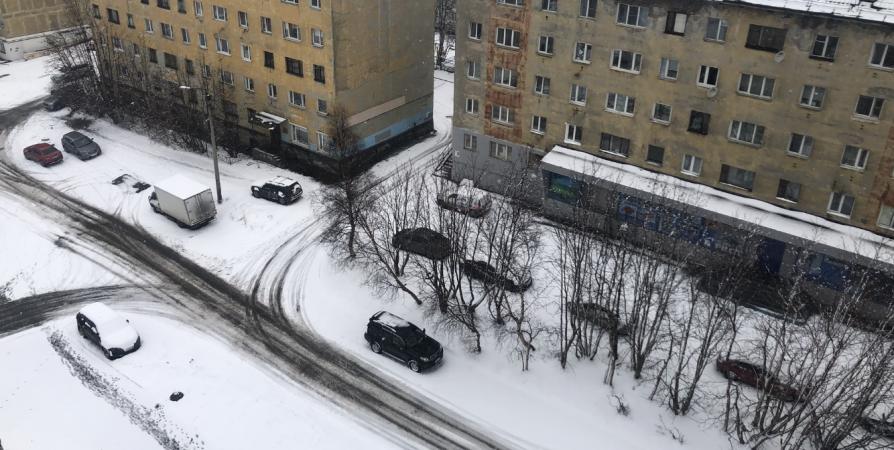 Из-за весеннего снегопада в Мурманской области перенесли субботник
