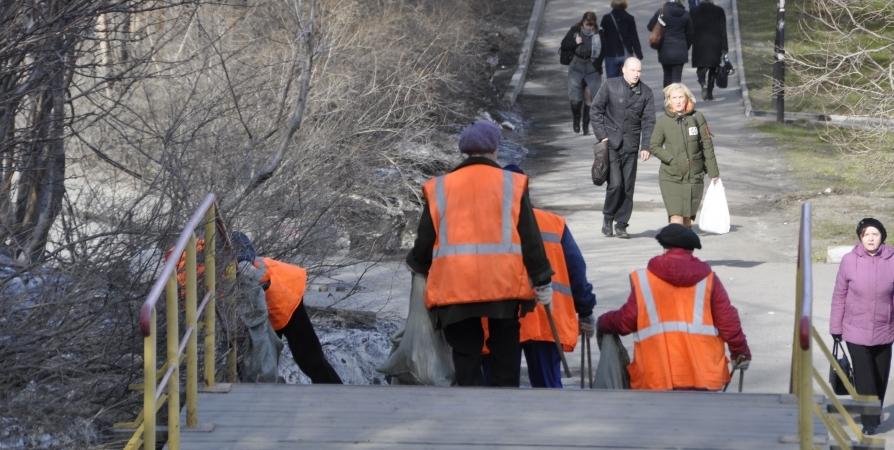 С улиц и дворов Мурманской области вывезено почти 4000 «кубов» мусора
