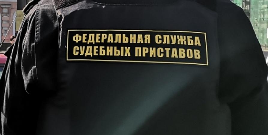 Мурманчанин оплатил 43 автоштрафа после запрета на продажу BMW X5