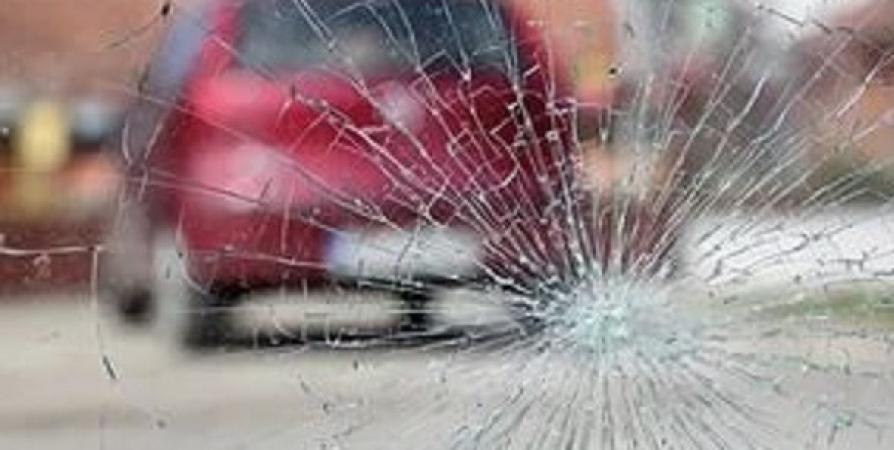 Мурманчанин после замечания по парковке запрыгнул на капот чужого авто