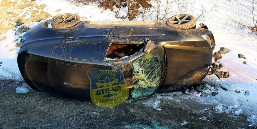 На мурманской Ленинградке авто улетело в кювет после ДТП