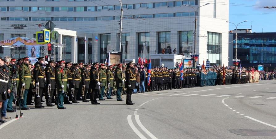 Водителям Мурманска напомнили об ограничениях на дорогах из-за парада