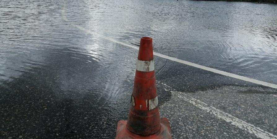 Движение по дороге Мурмаши-Пяйве закрыто из-за паводка