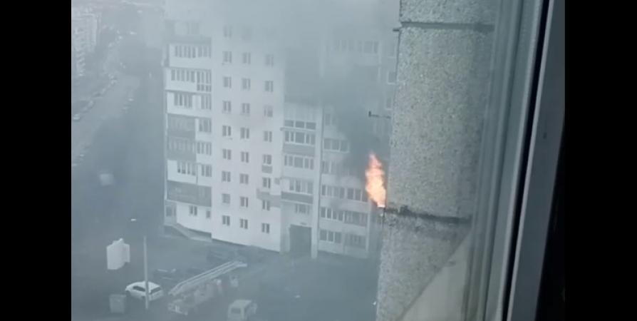 Из-за пожара на Зои Космодемьянской ночью эвакуировали 45 мурманчан