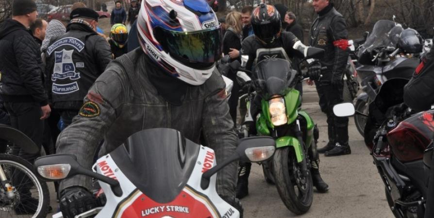 В субботу для колонны мотоциклистов освободят дорогу в Мурманске