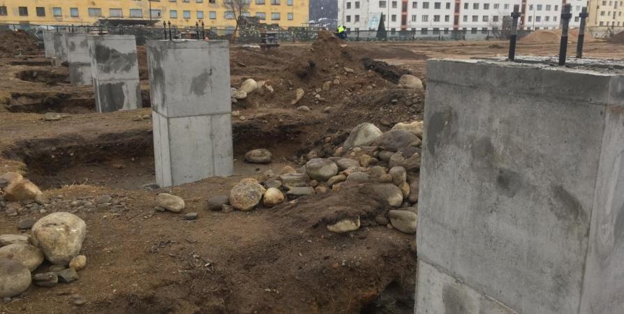 В Заозерске началось строительство бассейна со спорткомплексом