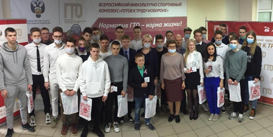 Знаки отличия ГТО вручили жителям Мурманска и Североморска