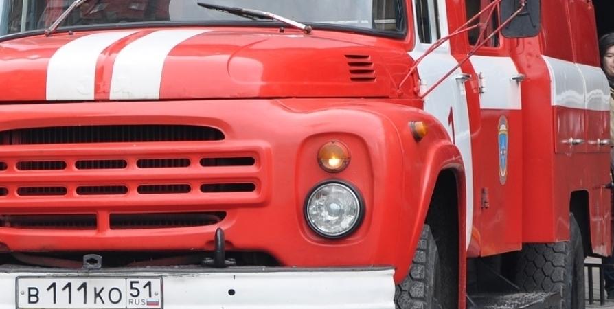 В двух гаражах в Кировске ликвидировали возгорание