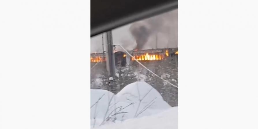 Фирму в Кандалакше оштрафовали на 100 тысяч за сгоревшие вагоны